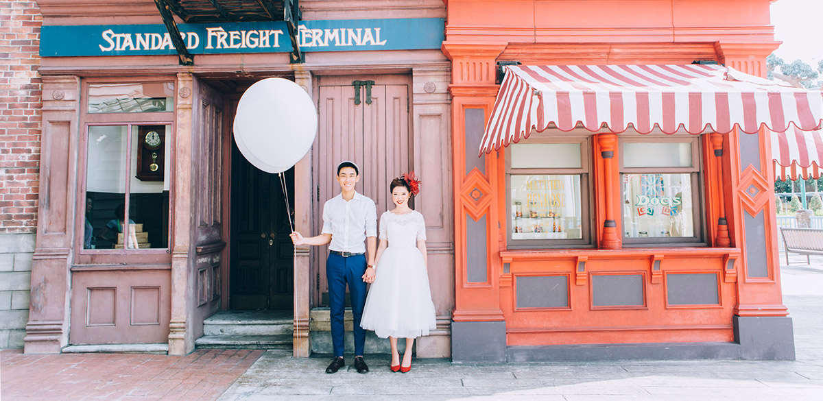 Universal Studios Singapore Pre Wedding Photography with Belly Welly Jelly
