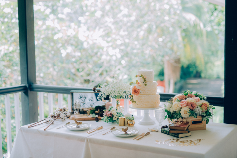 For This Rustic Romantic Tablescape Inspiration I Envisioned Floral Crates Blooms Understated Wedding Cakes And Vintage Knick Knacks In Dreamy