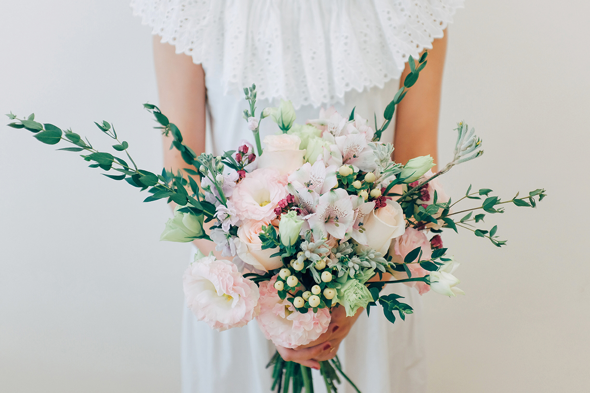 Style your own wedding with affordable blooms by runaway flowers affordable artisanal wedding bouquets and floral arrangements by runaway flowers izmirmasajfo