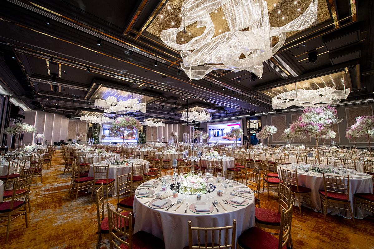 Romantic Grand Ballrooms and Gazebos at the Millennium Wedding