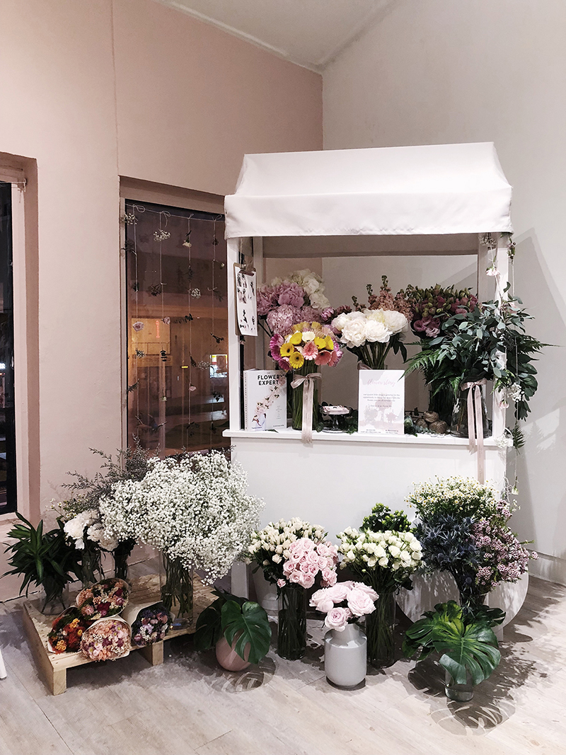 Beautiful Flower Bars In Singapore Your Guests Will Absolutely Love Singaporebrides