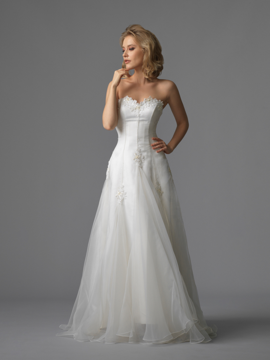 Jawn gown2 white aline sweetheart organza f