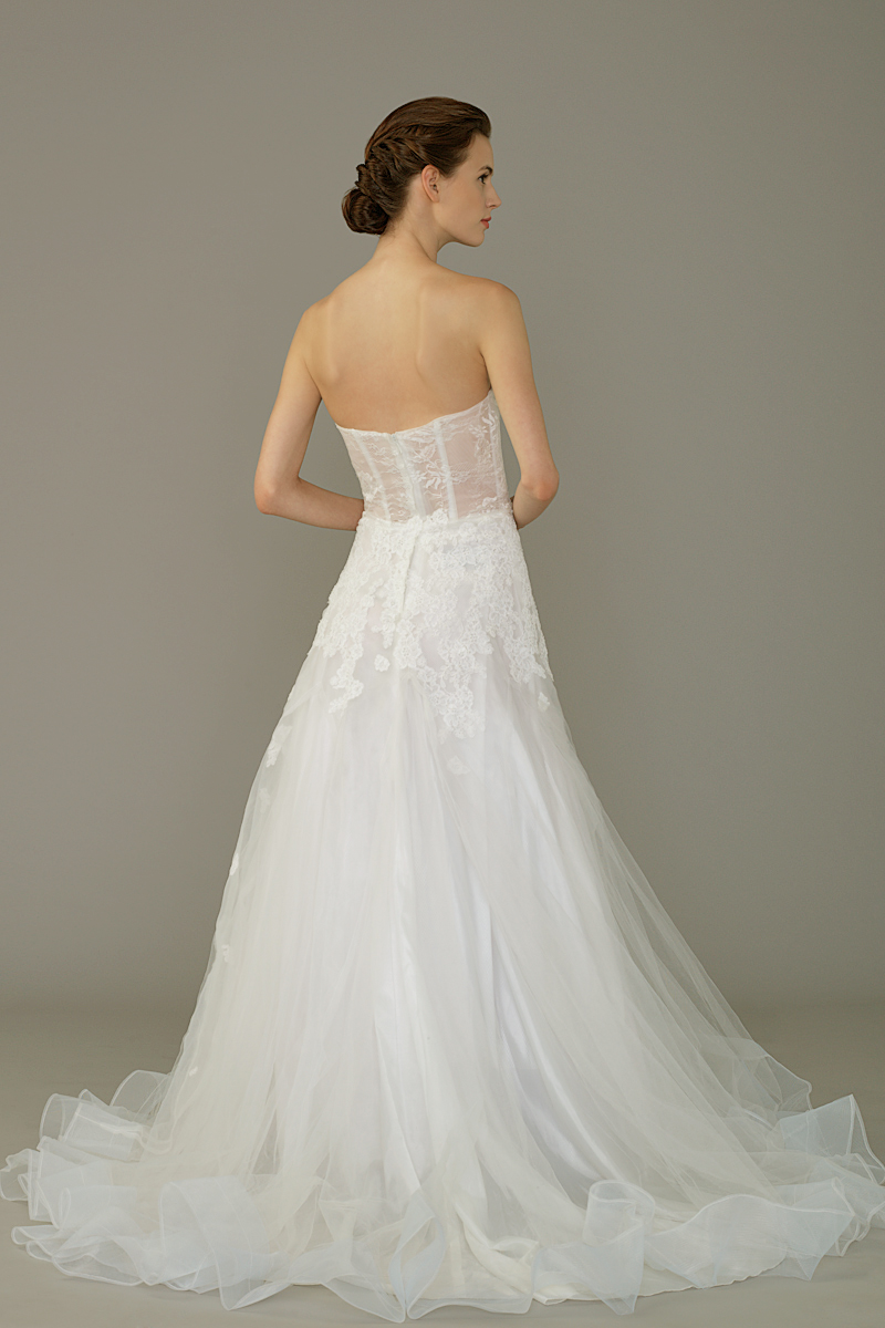 Am gown6 white aline sweetheart tulle b