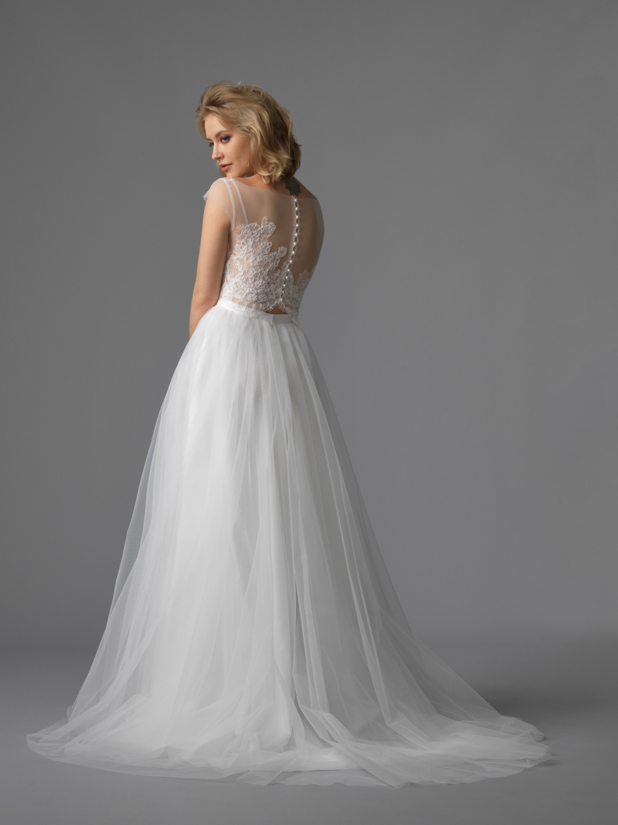Am gown2 white aline ill lace b 2