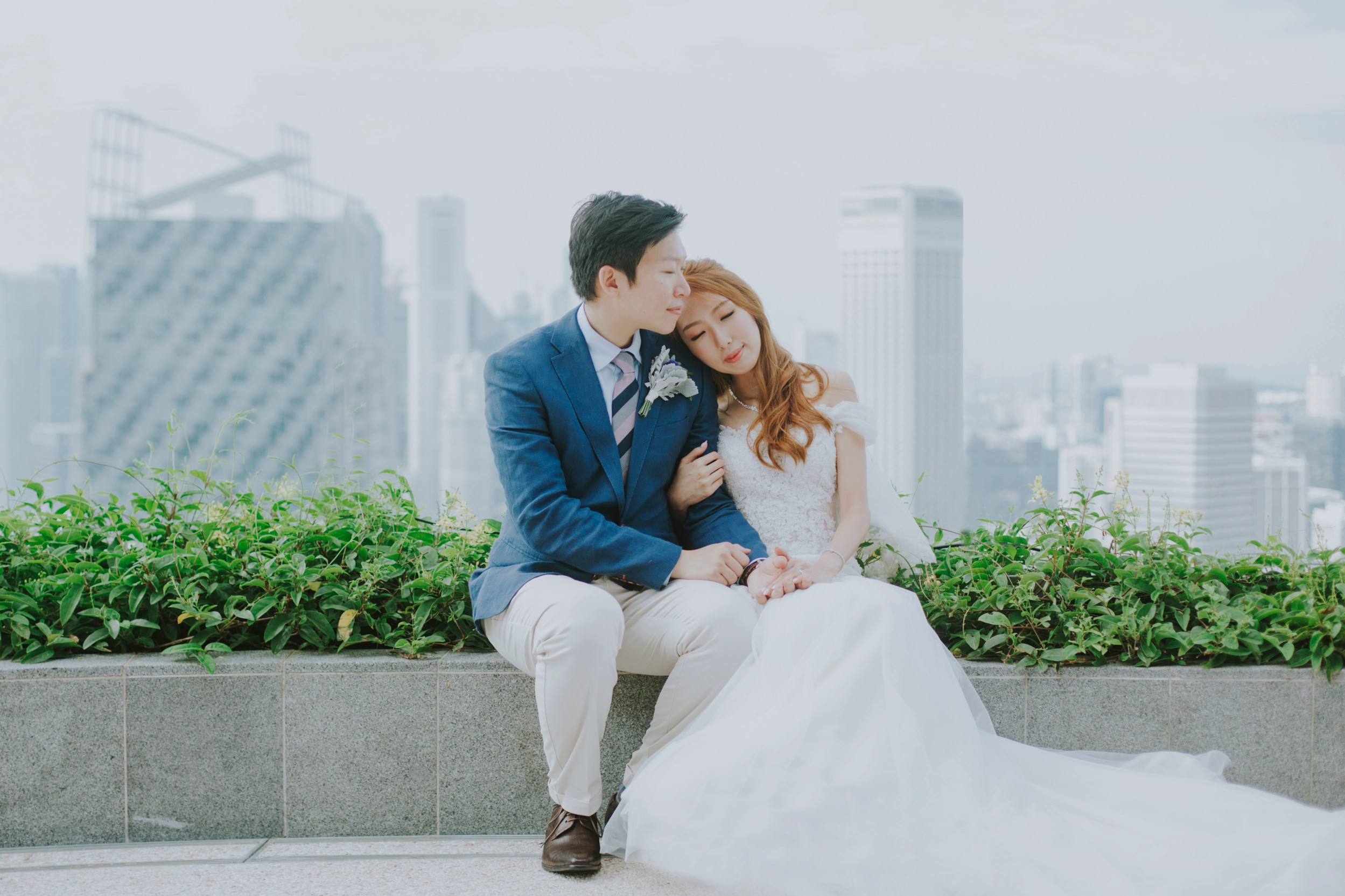 Andaz singapore weddings bride groom rooftop